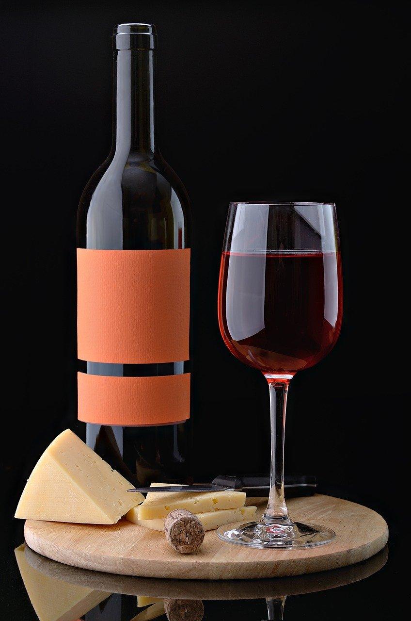 bouteille de vin, verre de vin, cadeau vin, coffret vin, offrir vin, vin rouge